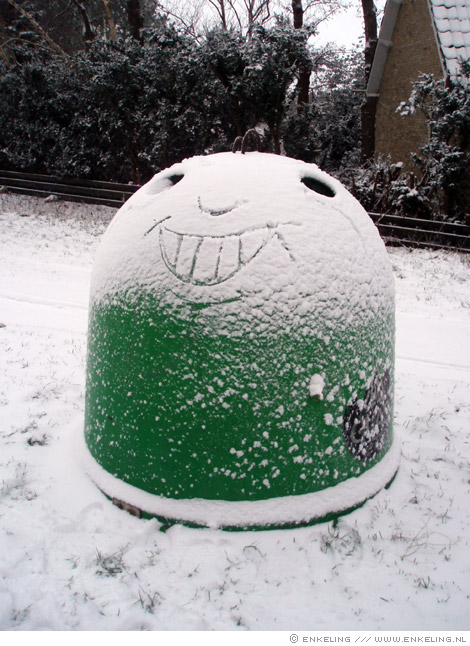 snowface, glasbak, sneeuw, Terschelling, Enkeling, 2010